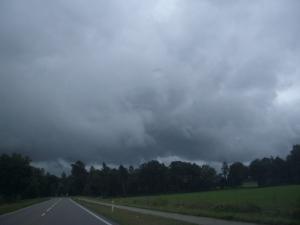 donkere wolken boven Limburg