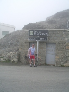 Top Tourmalet (2009) en daarna die afdaling door de regen..... (een verhaal apart !!)