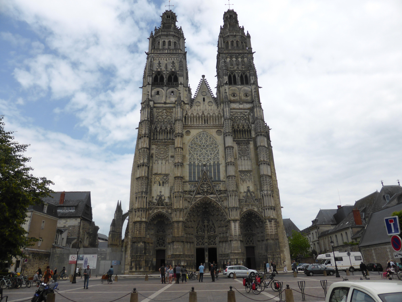 Dag 9 zondag 1 juni vendome tours 79 km janpaparazzi - Verblijf kathedraal ...