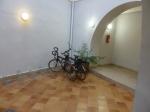 """onze"" fietsenstalling in Jacca"