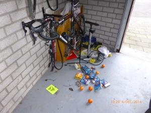 ook de garage op het paparazzipleintje was door Piet bezxocht