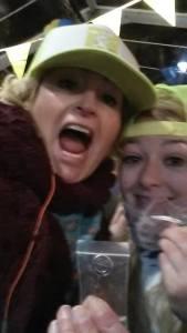Miranda en Froukje: BINNEEEEEEEEEEEEEE..!!