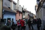 het gouden straatje met links (blauwe huisje) de woning waar Franz Kafka een jaar gewoond heeft